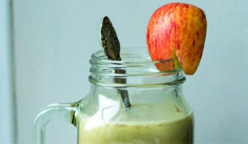 Warm Apple & Cinnamon Smoothie