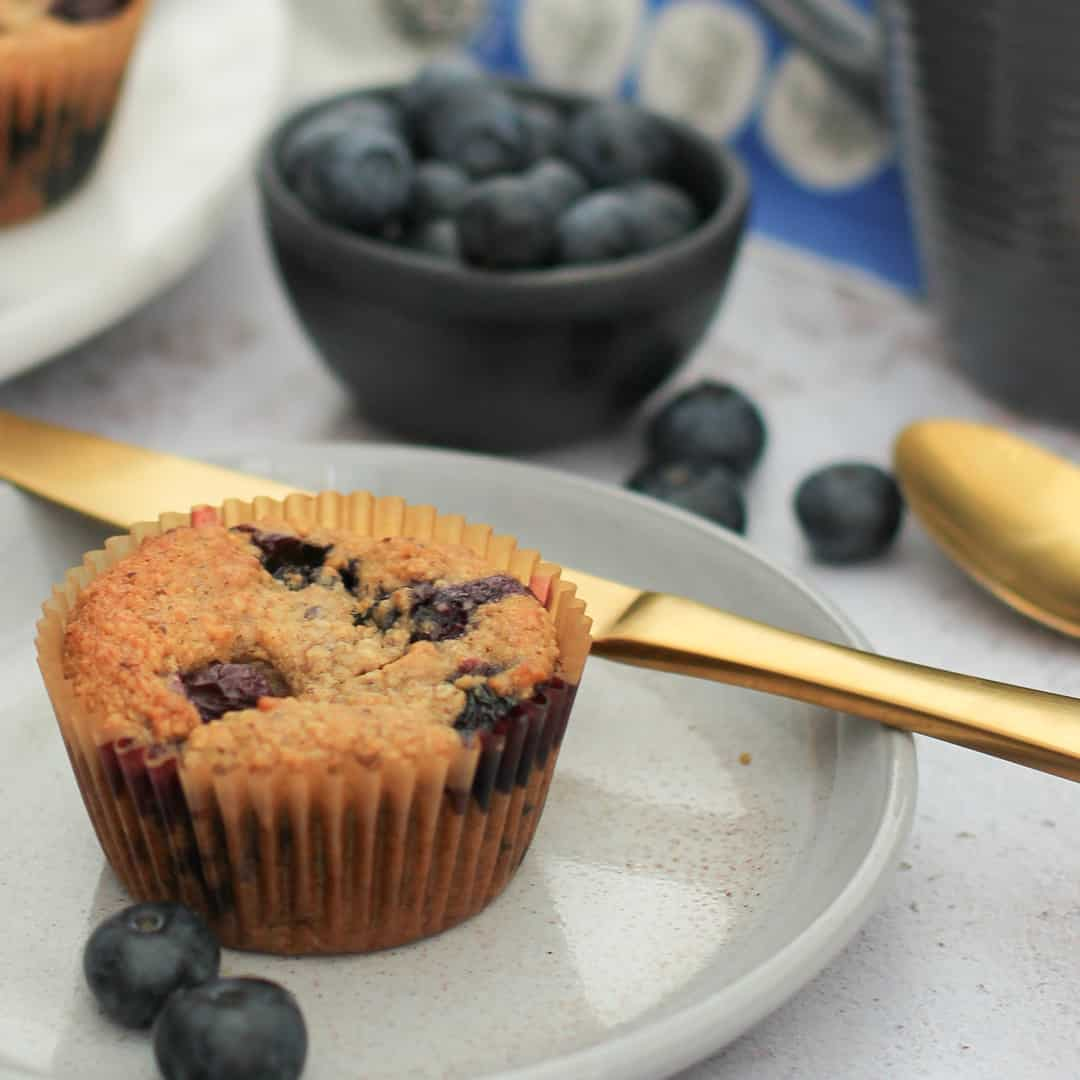 Blueberry and Cinnamon Breakfast Muffins by @dumbbellsandoats