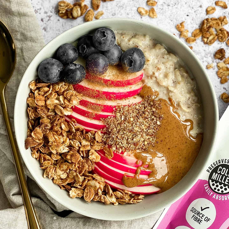 Apple and Cinnamon Porridge by @dumbbellsandoats