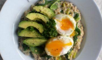 Savoury Spinach Porridge with eggs & avocado